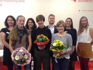 DIe Preisträger und die Jury, von links nach rechts: Patricia Gentner, Kathrin Wandres, Lena Groesdonk, Laura Kuhn, Daniel Seebacher, Anna Savas. Pia Cailleau und Nicole Boske.